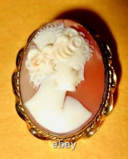10K Gold Exquisite Shell Cameo Brooch/Pendant Antique Victorian Hand Carved