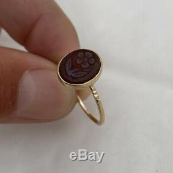 15ct Gold Victorian Carved Forget Me Not Hard stone Dome Back Ring 15K