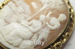 ANTIQUE VICTORIAN 18K GOLD CARVED SHELL QUAINT COURTING SCENE CAMEO BROOCH c1880