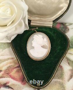 Antique Jewellery Victorian Vintage Gold Brooch with Carved Shell Cameo Jewelry