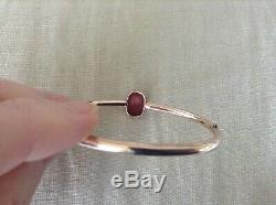 Antique Victorian 14K Gold Bangle Bracelet with Oval Stone Carved Agate Cameo 7.8g