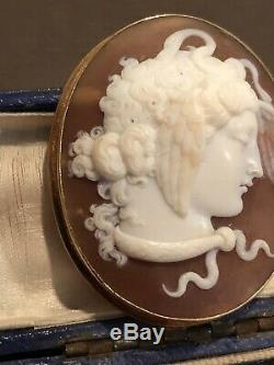 Antique Victorian 15K Gold Carved Shell Cameo Medusa Brooch