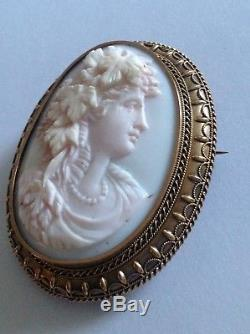 Antique Victorian 15ct Gold Carved Angel Skin Coral Cameo Brooch