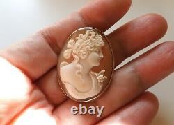 Antique Victorian Finely Carved Flora Cameo Brooch In 14K Yellow Gold