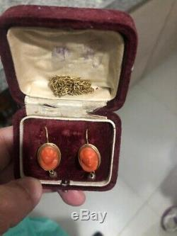 Elegant Vintage Victorian Edwardian Yellow Gold Hand-Carved Cameo Earrings