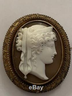 Fine Victorian 15ct Gold Carved Shell Cameo Brooch