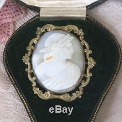 Large Antique Victorian Vintage Brooch carved shell Cameo in Gold Frame
