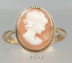 Pretty Antique Victorian 9K Gold Carved Shell Cameo Profile of Girl Ring Size 8