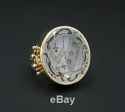 Victorian 14K Gold Carved Chalcedony Intaglio Crest Signet Ring Size 6.5 RG2524