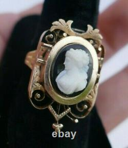 Victorian 14K Yellow Gold Carved Banded Onyx Cameo Ring Size 10