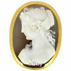 Victorian 15 Karat Gold Brooch with Sardonyx Shell Cameo Carving on Agate, 1870s
