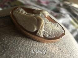 Victorian gold set carved cameo brooch c1880