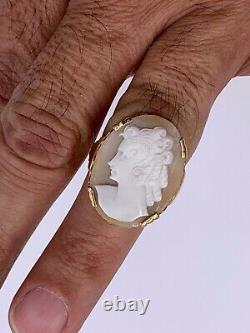 Vintage 10K Yellow Gold Carved shell Cameo Ring Victorian